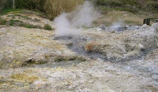 In geotermia il vapore che fuorisce dal sottosuolo crea degli effetti molto suggestivi